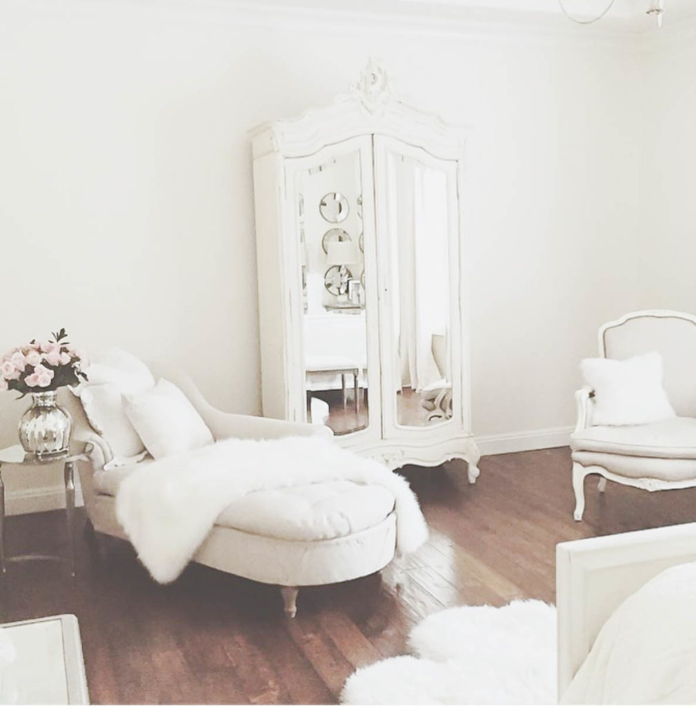 Merveilleux I Love And Adore Pretty Spaces. Especially Pretty Bedrooms! They Have To Be  One Of The Most Important Spaces In Our Homes!! We Start Each Day There And  End ...