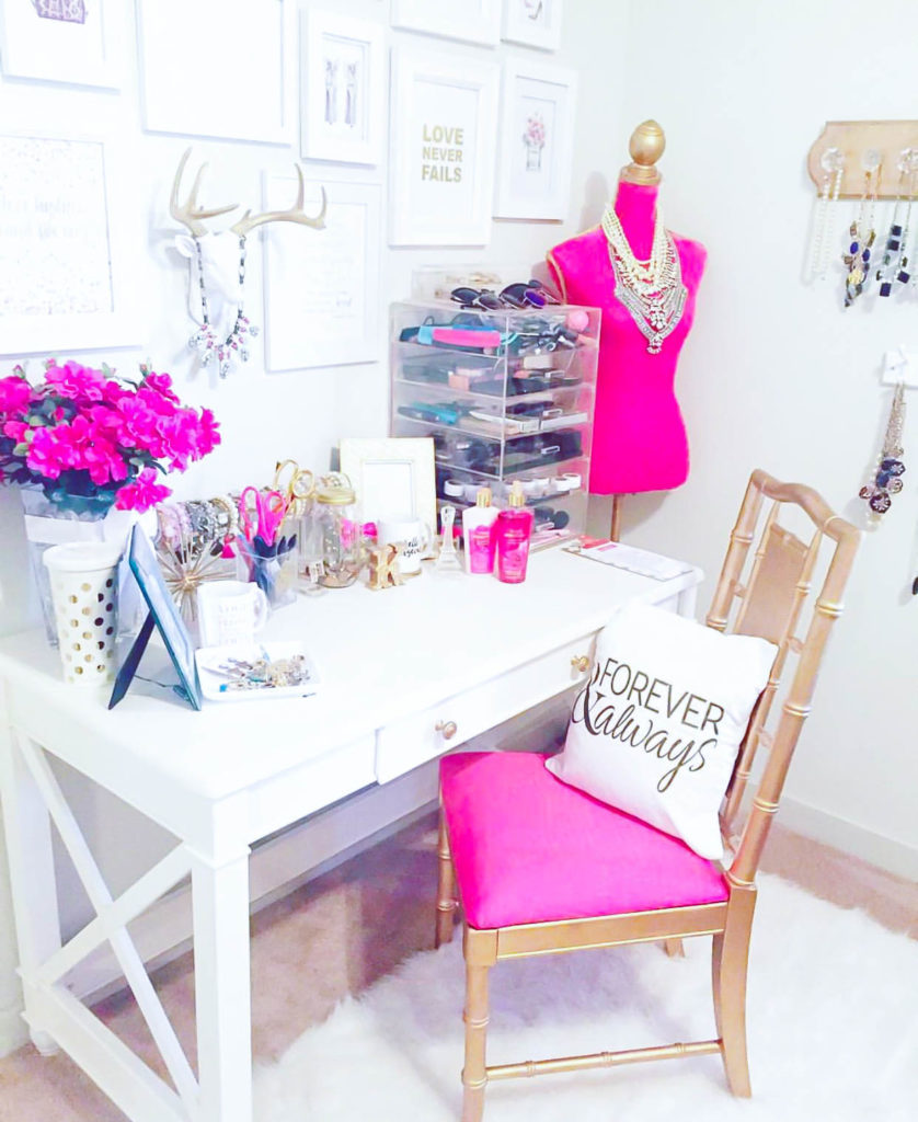 10 Most Pretty & Inspirational Bedroom Must Haves-1-35