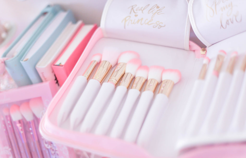 my go tos for the best & girly beauty brushes