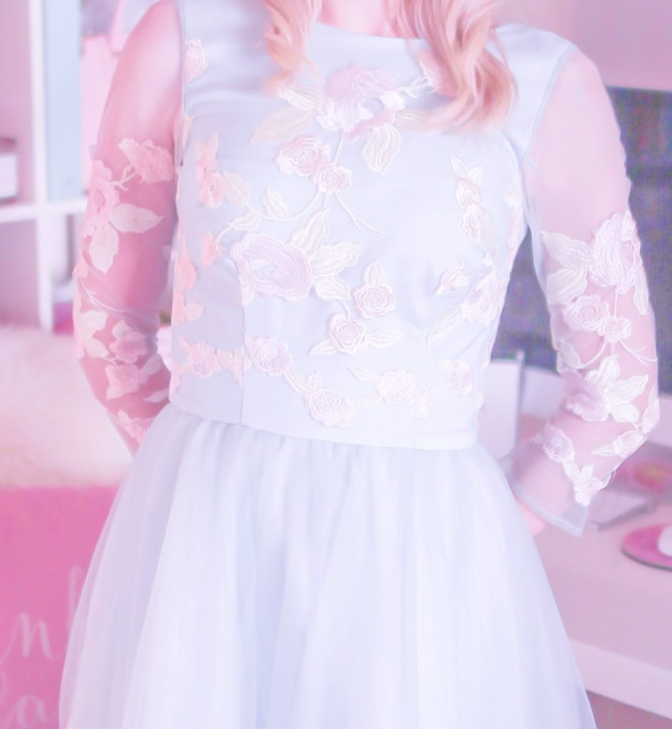 How To Pull Off Wearing A Fairytale Dress