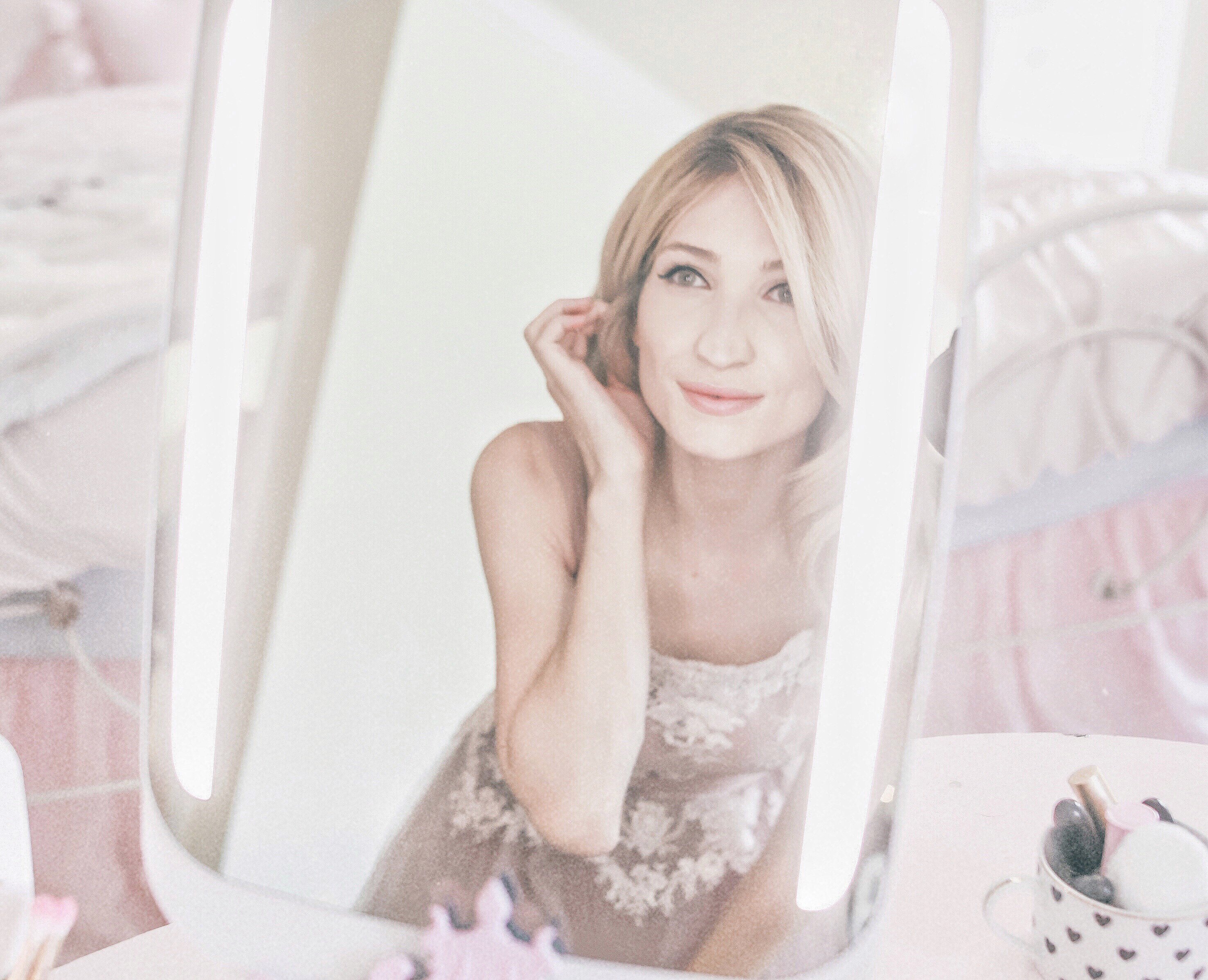 Say Hello To HiMirror, A Mirror of The Future